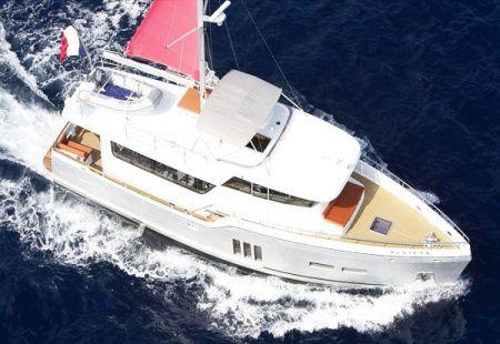 Un yacht attaqué et dérobé au large de la Corse, ses propriétaires rançonnés