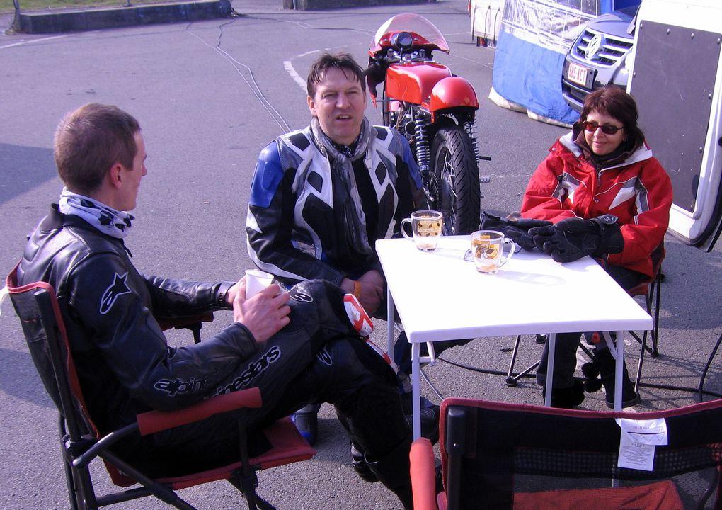 TROPHEE-COLUCHE-2011-5/6 mars 2011 à CAROLE Démonstrations motos et sides de course anciens au profit des restos du cœur