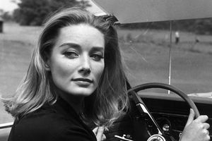 Tania Mallet, Karin Dor, Cassandra Harris... Ces James bond Girls disparues