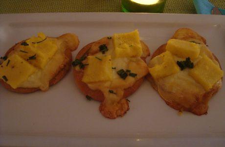 Pizettes Polenta Provolone*