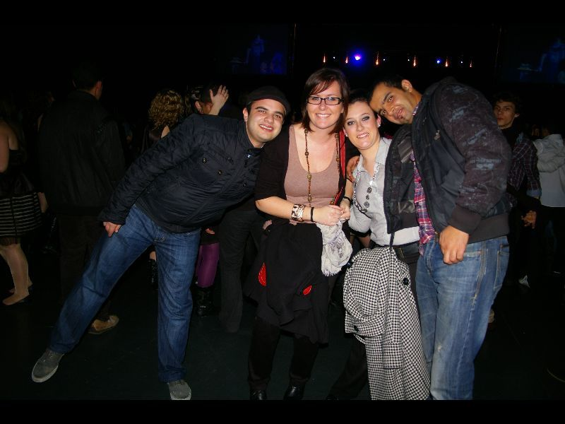 revivez les meilleurs moments de la nuit du nouvel an 2012 à Rennes, Place de la Mairie, le bal populaire au Liberté de Rennes. La discothèque Le Mango à Rennes, ainsi que Le complexe discothèque Le Tremplin à Montauban de Bretagne