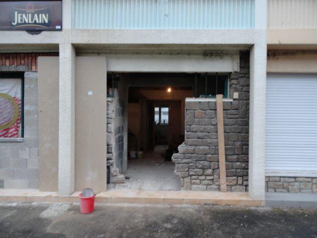 Pose des porte et fenêtres en mars, par une entreprise