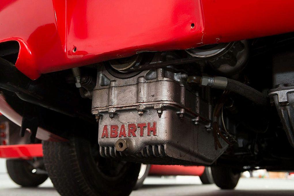 VOITURES DE LEGENDE (486) : ABARTH SIMCA   2000 GT - 1963