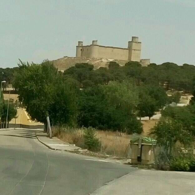 Barcience : château et moulin.