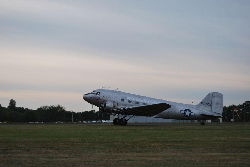 crédit photos : alain CHAUSSADE -DC 3 - DAKOTA - et une pertie des avions en pertei au sol avis au connaisseurs pour l'identification.