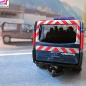 RENAULT TRAFIC GENDARMERIE NOREV SERIE EMERGENCY 3 INCHES - car-collector.net