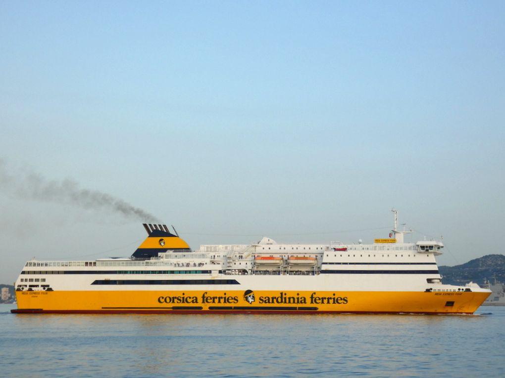 MEGA EXPRESS FOUR , arrivant au port de Toulon le 16 septembre 2019