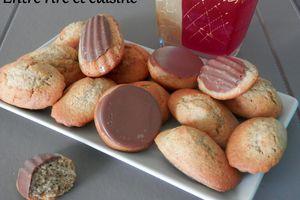 Madeleines en coque de chocolat (à la farine semi-complète)