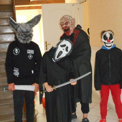 Des monstres dans le village!