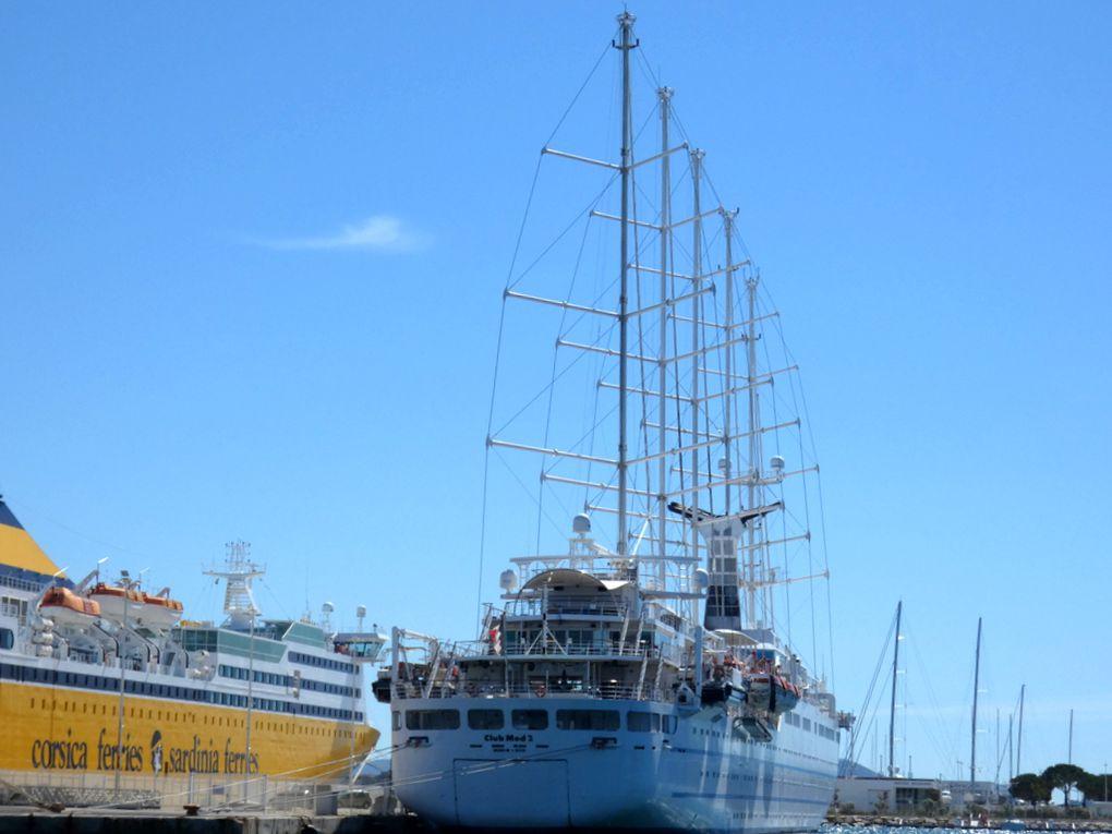 CLUB MED 2 , a quai à la Seyne sur Mer le12 mai 2020