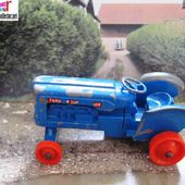 K-11 FORDSON TRACTOR LESNEY KING SIZE SERIES - car-collector.net