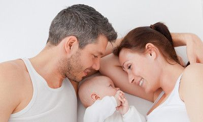 Comment bien vivre la relation parents-bébé?
