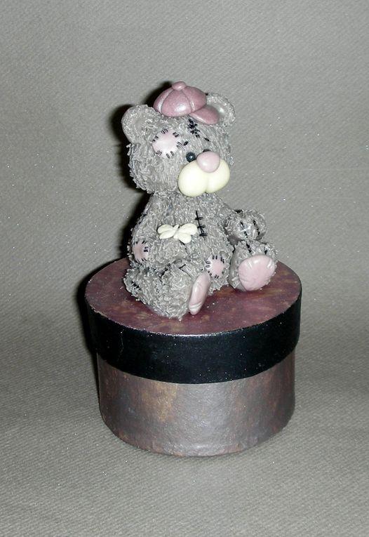 Boite avec p'tit ourson en porcelaine froide