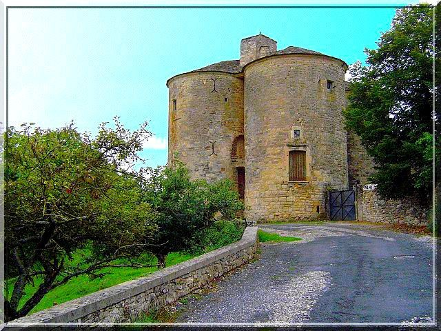Diaporama des 2 châteaux de Cruéjouls