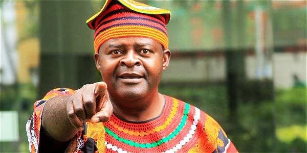 Imágenes de Boniface Ofogo, cuenta cuentos camerunés.- El Muni.