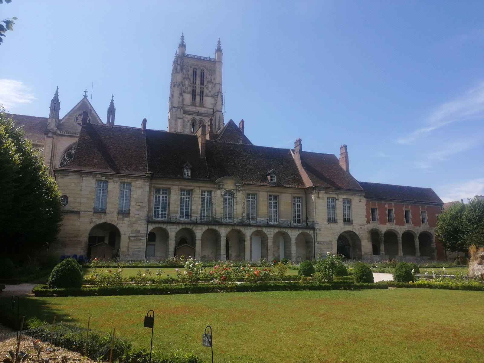 Tarte aux pommes de terre et brie de Meaux - balade régionale en Seine et Marne, Meaux
