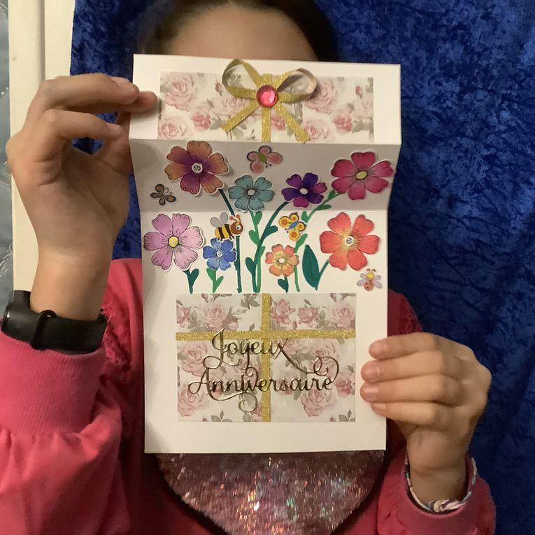 Carte anniversaire cadeaux par Alyssonne