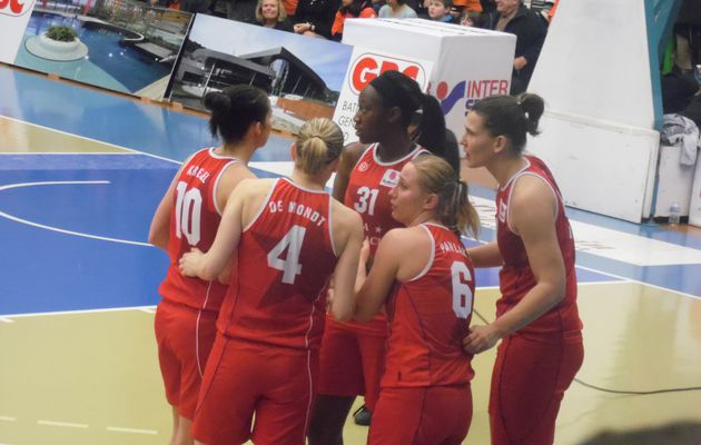 Euroligue dames: Tina Charles s'offre Bourges dans le money time malgré le double-double de Ndongue
