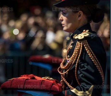 Une vingtaine de harkis promus dans l'ordre de la Légion d'honneur