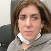 Mom who chronicled COVID-19 battle says virus may have given her glaucoma