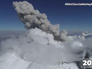 Le volcan Sabancaya célèbre 4 ans de processus éruptif continu avec l'enregistrement de plus de 37.000 explosions - un clic pour agrandir les vignettes