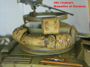 GREYHOUND M8 au 1/35 de chez ITALERI