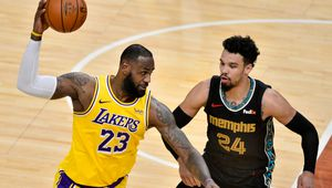 LeBron James mène les Lakers à Memphis
