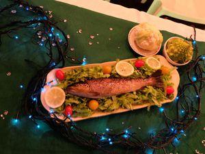 Tout pour garnir votre table, Ipono s'ennuie un peu tout seul, La truite de la pisciculture et le bouquet d'écrevisses.