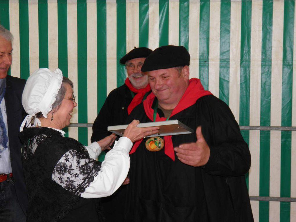 Le jour de la fête de la Pentecôte, le 19 mai 2013, remise des prix aux lauréats du concours. En juillet quelques Goustiers remettent leurs prix aux Établissements Fousrnier et en septembre à Roland Desnos, producteur à Assé-le-Boisne.