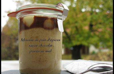 Mousse au pain d'épices, sauce chocolat et poires au miel.