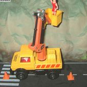 LAMP MAINTENANCE MERCEDES UNIMOG AUTOROUTE SERVICES MATCHBOX - car-collector.net