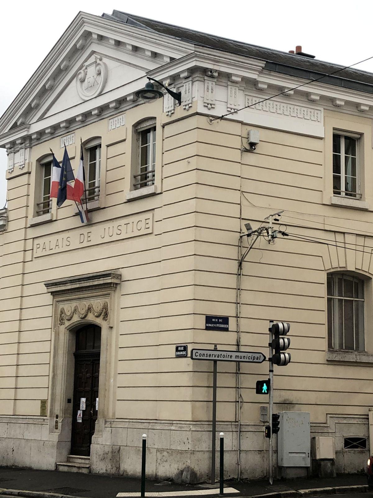 Fontainebleau comparution sur reconnaissance préalable de culpabilité