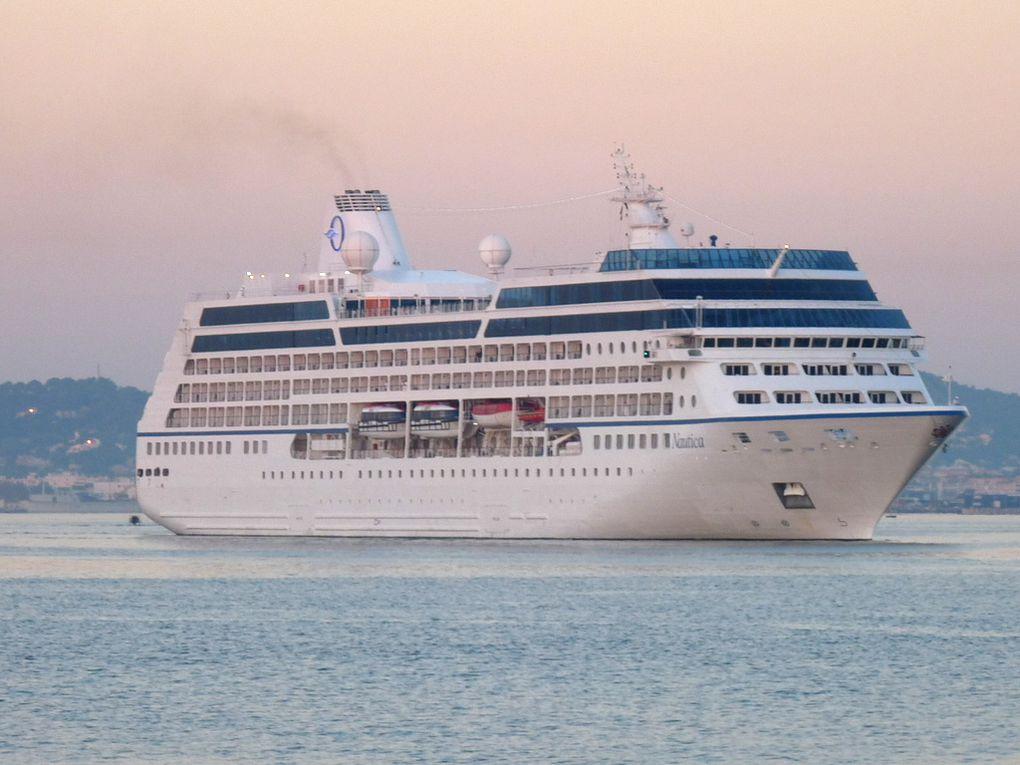 NAUTICA , arrivant dans le port de Toulon le 21 octobre 2018