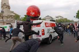 réaction Force Ouvrière à propos des agressions violentes dont ont fait l'objet des militants de la CGT en fin de manifestation le 1er mai, à Paris place de la Nation.
