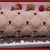 Bûche au chocolat et son Insert au crémeux de fruits de la passion - Oh, la gourmande..