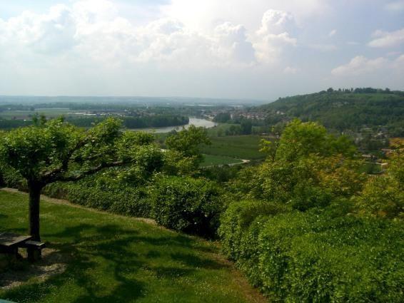 Diverses vues en faisant le tour du village (une quinzaine d'habitants permanents)
