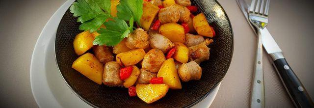 Poêlée de pommes de terre aux saucisses