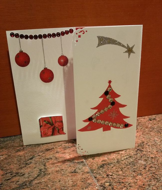 Cartes - Noël - 2015 - Strass - Stickers - Tampons - Sapins - Etoiles - Flocons - Pere Noel - Boules