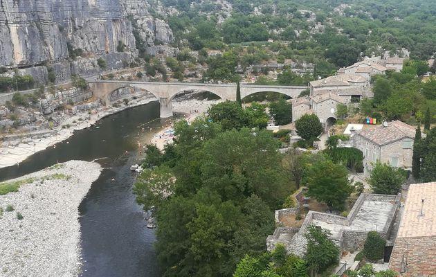 Balazuc : Village faisant partie des plus beaux de France.