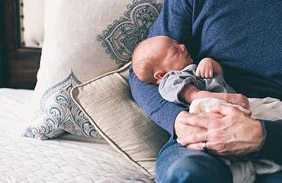 Congé de naissance/de paternité : les règles changent au 1er juillet 2021