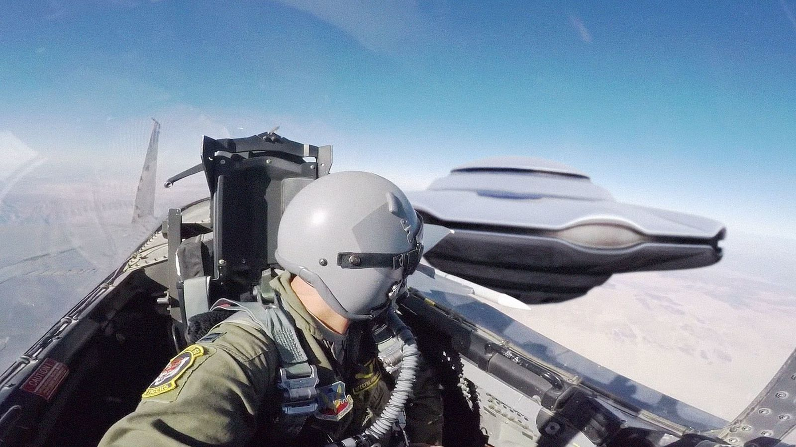 👽 UFO Encounter With F-16 Jet Fighter Over Nevada