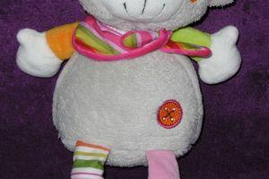 Doudou ours Babysun Nursery, gris rose, 27 cm, avec grelot