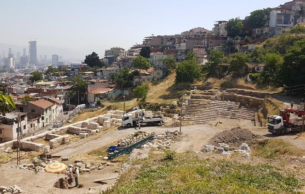 Le théâtre antique d'Izmir d'environ 21 000 places sort de terre peu à peu