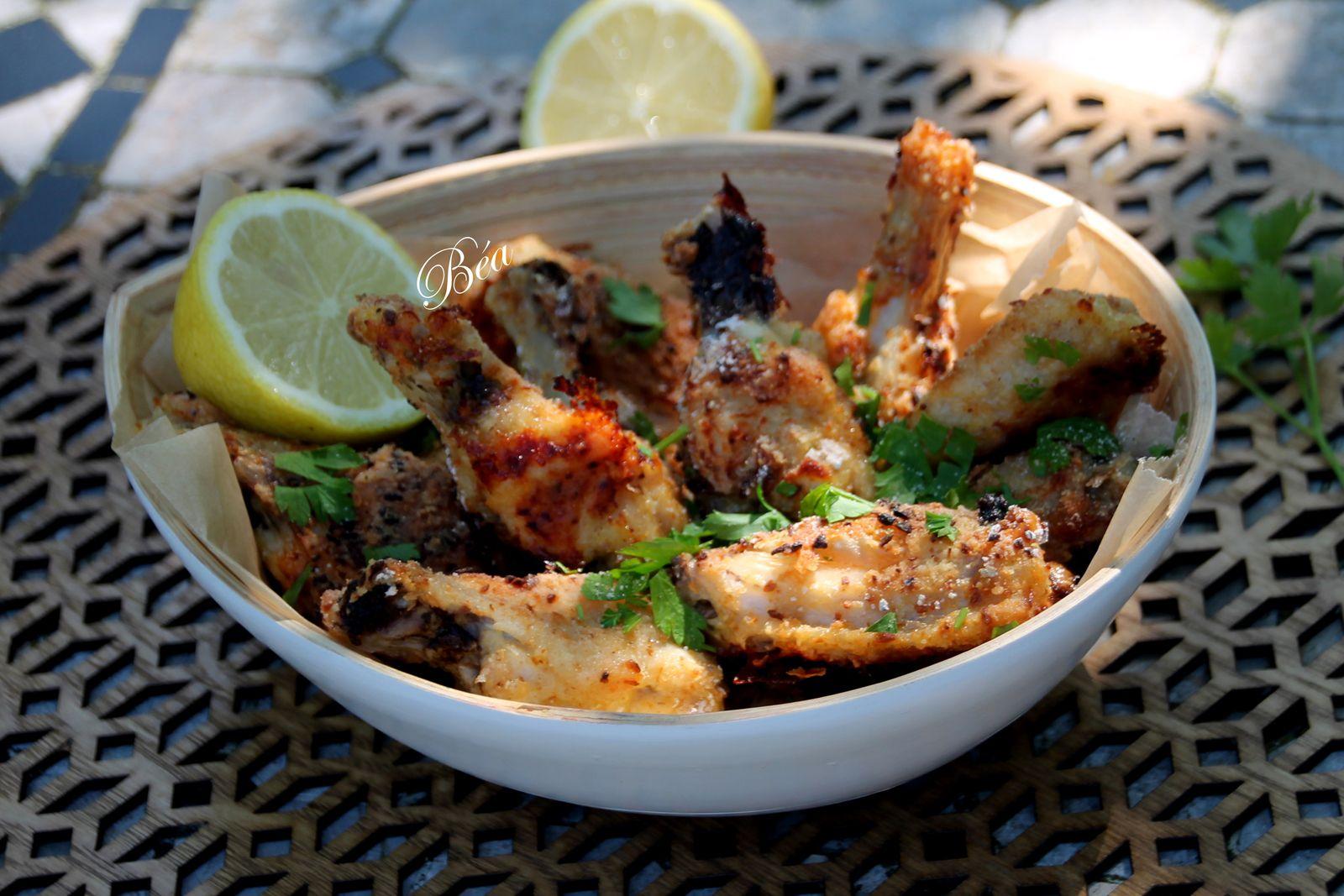 Ailes de poulet croustillantes, salade de betteraves et haricots blancs à l'aneth