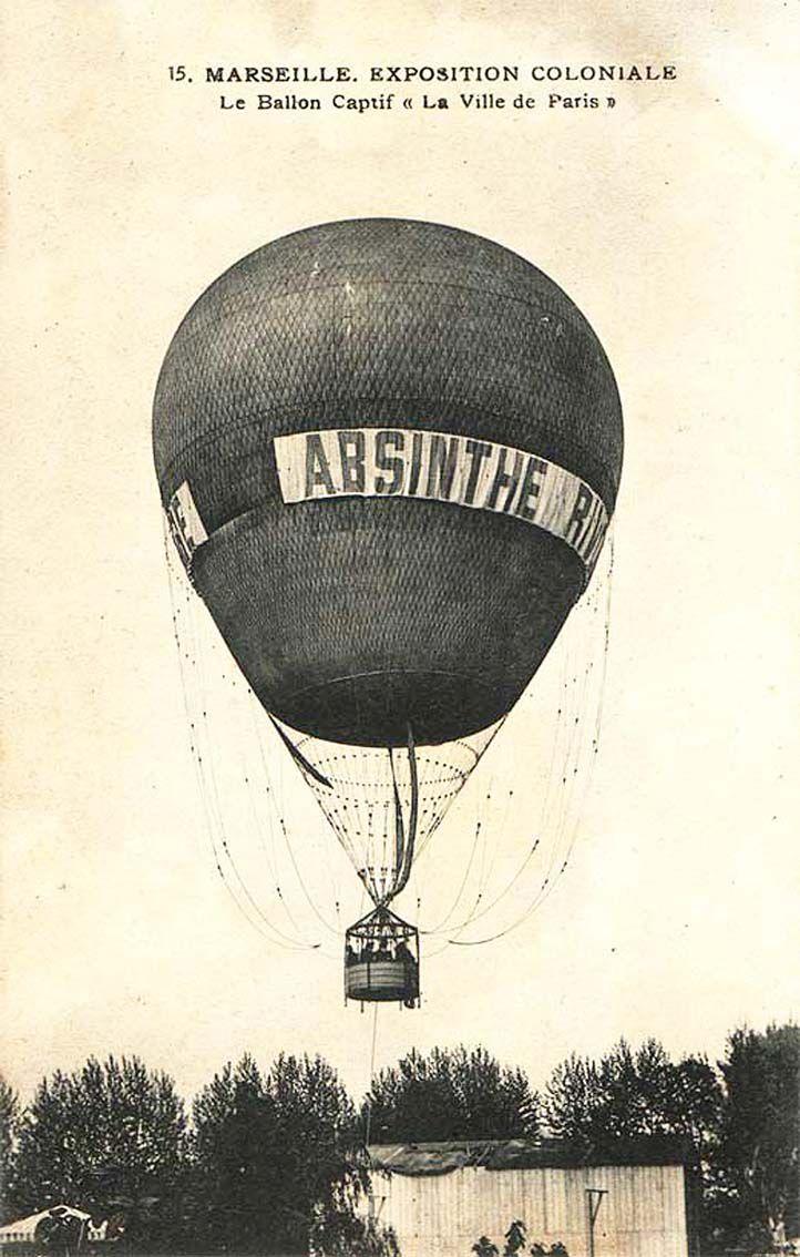 Absinthe Rivoire et son ballon captif. Carte postale. Coll. privée.