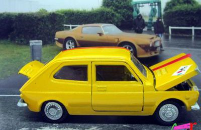 FIAT 127 JAUNE INTER CARS NACORAL 1/43.