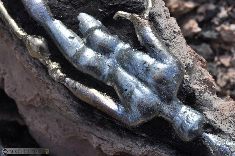 Statuette de Mercure de Sanxay (86) fraîchement coulée.
