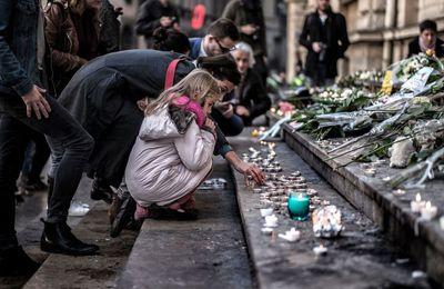 Attentats de Paris: Six militaires en armes devant le Bataclan ne sont pas intervenus