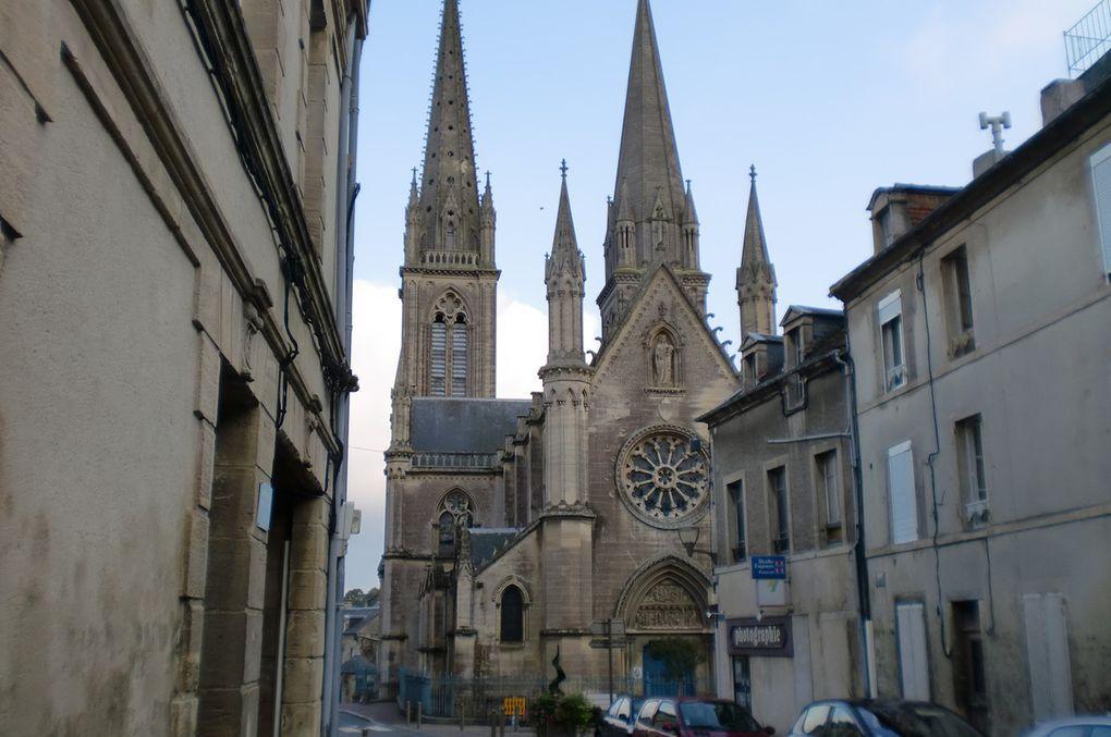 Bayeux,sa cathédrale ,la ville et ses charmantes rues.