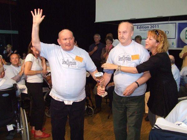 70 résidents de dix Ehpad de Charnte-Maritime et 50 accompagnateurs se sont rencontrés le 5 octobre 2011 pour la journée Géront'Olympiades 2011 à la salle Alliance d'Essouvert, sur la commune de Saint-Denis-du-Pin (17400)